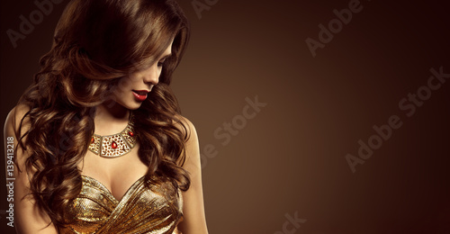 Fotobehang Kapsalon Woman Hairstyle, Beautiful Fashion Model Long Brown Hair Style, Sexy Girl in Elegant Golden Dress