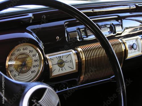 Keuken foto achterwand Vintage cars Vintage car dashboard