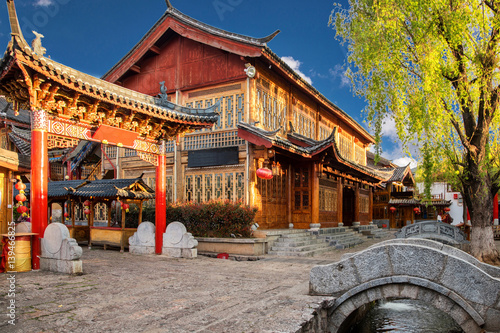 Scenic street , canal and buiding in the Old Town of Lijiang. Lijiang is a popular tourist destination of Asia.