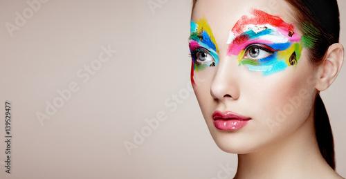 Fototapeta Beautiful woman face. Perfect makeup. Beauty fashion. Eyelashes. Cosmetic Eyeshadow obraz na płótnie