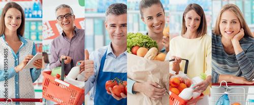 Fotografía  People at the supermarket