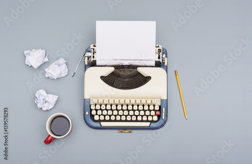 Foto op Plexiglas Retro writers block concept. Retro typewriter with paper props