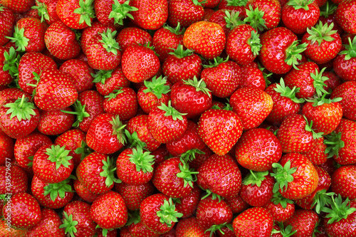 Deurstickers Vruchten Strawberry. Fresh organic berries macro. Fruit background