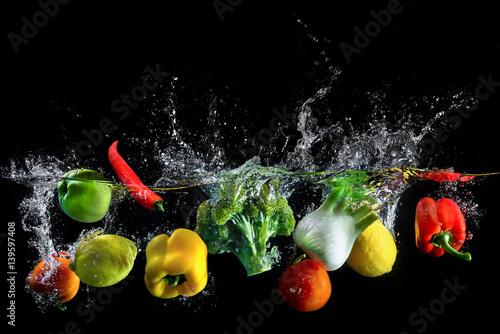 Zdjęcie XXL Warzywa pluskają się w wodzie