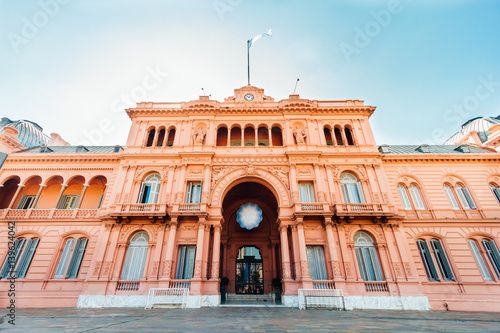 Keuken foto achterwand Buenos Aires Casa Rosada (Pink House), presidential Palace in Buenos Aires, Argentina, view from the front entrance