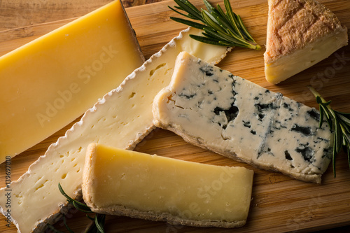 Staande foto Zuivelproducten いろいろなチーズ