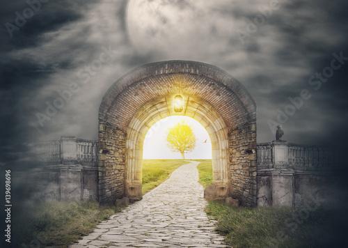 Zdjęcie XXL Tajemnicze wejście do bramy w raju