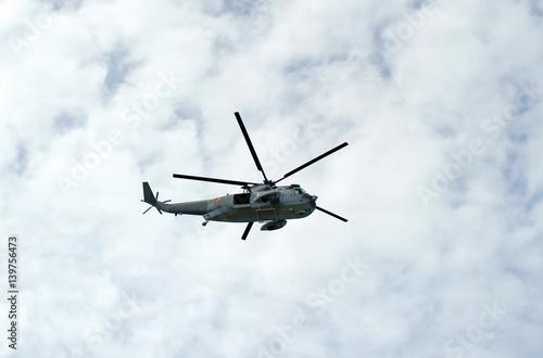 Helicóptero de salvamento y vigilancia, España Wallpaper Mural