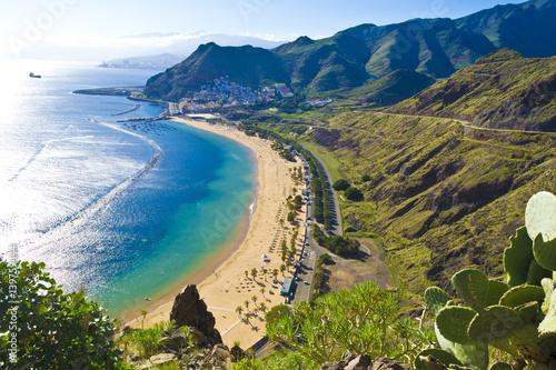 Fotobehang Canarische Eilanden View from the mountain to the beach teresitas