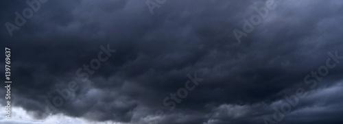 Canvas Print Nuvole di temporale - aria di tempesta