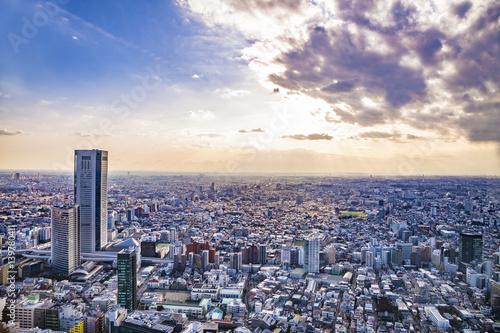 Montage in der Fensternische Tokio 東京の風景