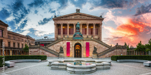 Photo  Berlin Old National Gallery at dawn