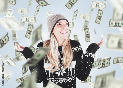 Photo Donna con soldi cadono dal cielo, vincita o saldi