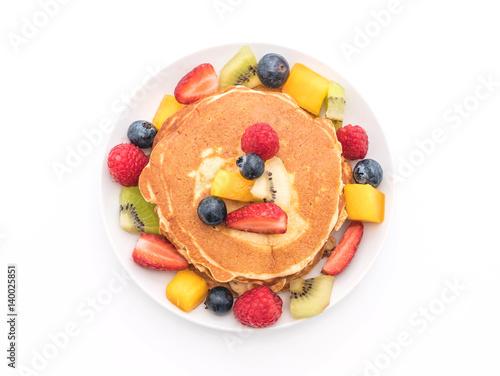 Cadres-photo bureau Nature pancake with mix fruits (strawberry, blueberries, raspberries, mango, kiwi)