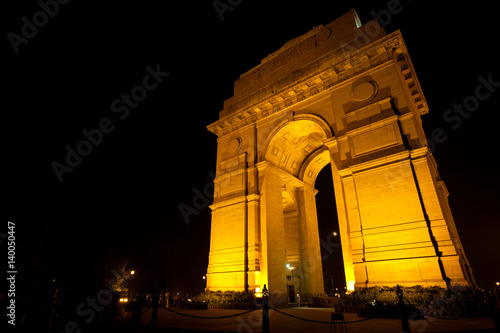 Stickers pour portes Delhi Soldiers at India Gate Memorial at Night in Delhi. Horizontal