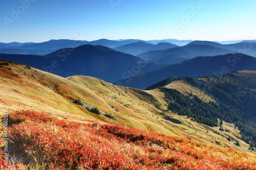 Poster Crimson mountain landscape