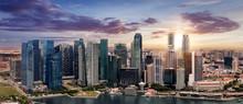 Die Skyline Von Singapur Bei Sonnenuntergang