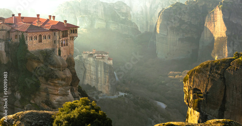 Cuadros en Lienzo Serene morning in impressive Meteora monasteries. Central Greece