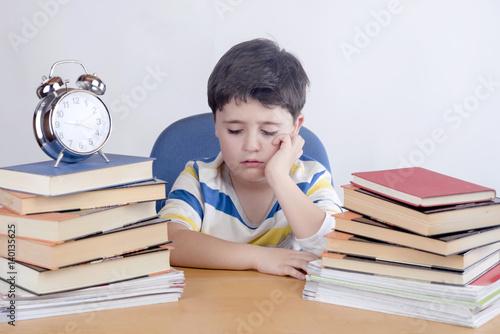 Foto  estudiante aburrido