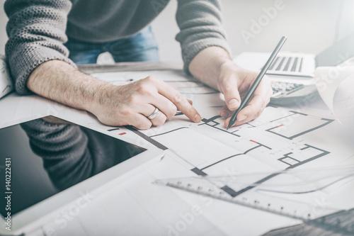 architekt-architektura-rysunek-projekt-blueprint