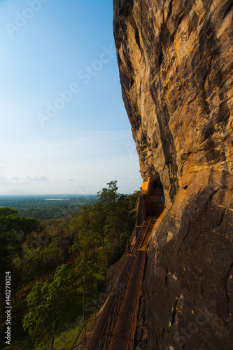 Stickers pour porte Pierre, Sable Sigiriya Rock Cliff Face Stairs in Sri Lanka