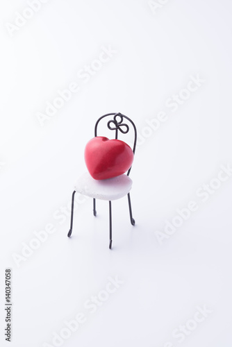 Fotografie, Obraz  ベンチとハートの小物