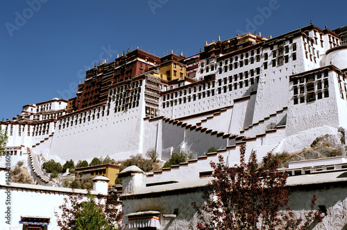 Photo Potala Palace - the residence of the Dalai Lama in Lhasa.
