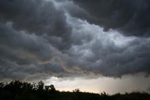 Horrifine Clouds Moving Ahead ...