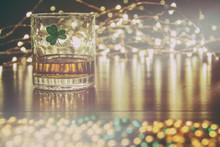 Irish Whiskey St Patricks Clov...