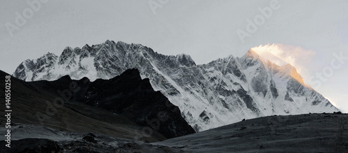 Valokuvatapetti A panorama of the wall Nuptse-Lhotse early in the morning - Everest region, Nepa