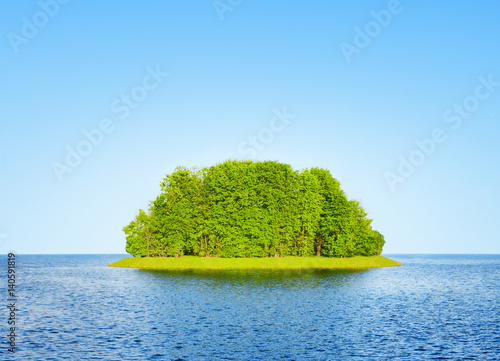 Spoed Foto op Canvas Eiland Green island among the water