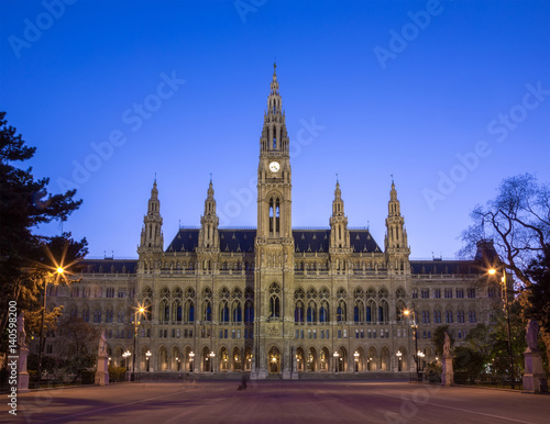 Foto op Canvas Brussel Tall gothic building of Vienna city hall, Austria