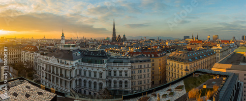 Ingelijste posters Wenen Vienna skyline panorama at sunset