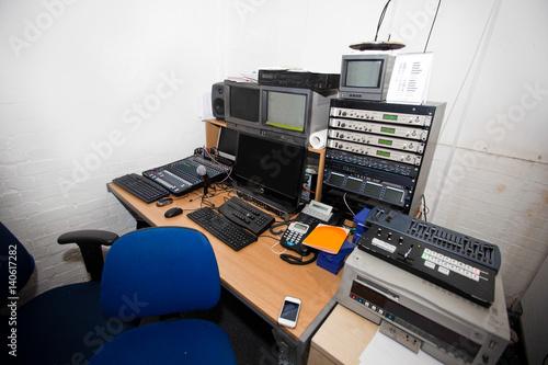 Computer and audio equipment in television studio Billede på lærred