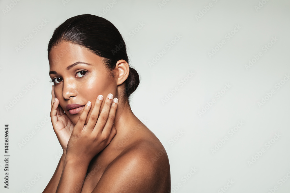 Fototapety, obrazy: Female model with clean and healthy skin