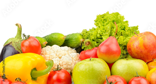 Poster Légumes frais fruits and vegetables isolated on white background