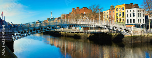 Photo  Dublin, panoramic image of Half penny bridge