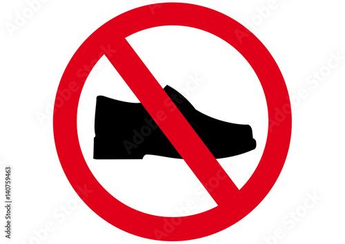 Fotografía  Schild Schuhe verboten