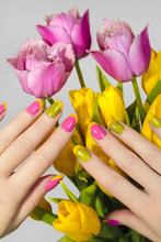 Yellow Green French Manicure W...