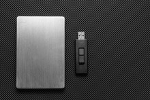 Usb Stick And External Hard Dr...