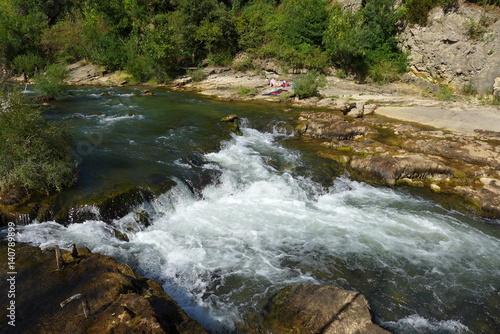 Fototapeten Forest river torrent