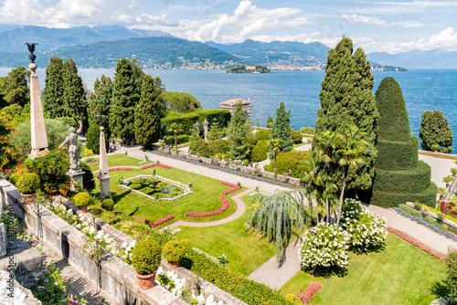 Photo Baroque garden of island Bella - isola Bella, is  one of the Borromean Islands of Lake Maggiore in Piedmont of north Italy