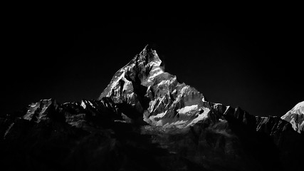 Panel Szklany PodświetlaneMachapuchare mountain peak in Himalaya. Black and white color.