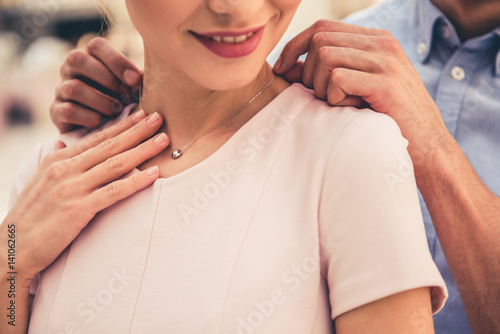 Couple buying jewelry Canvas Print