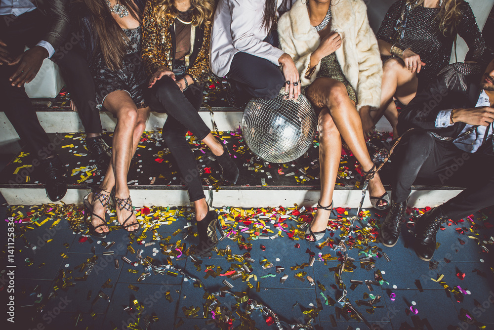 Fototapety, obrazy: Party people celebrating in the club