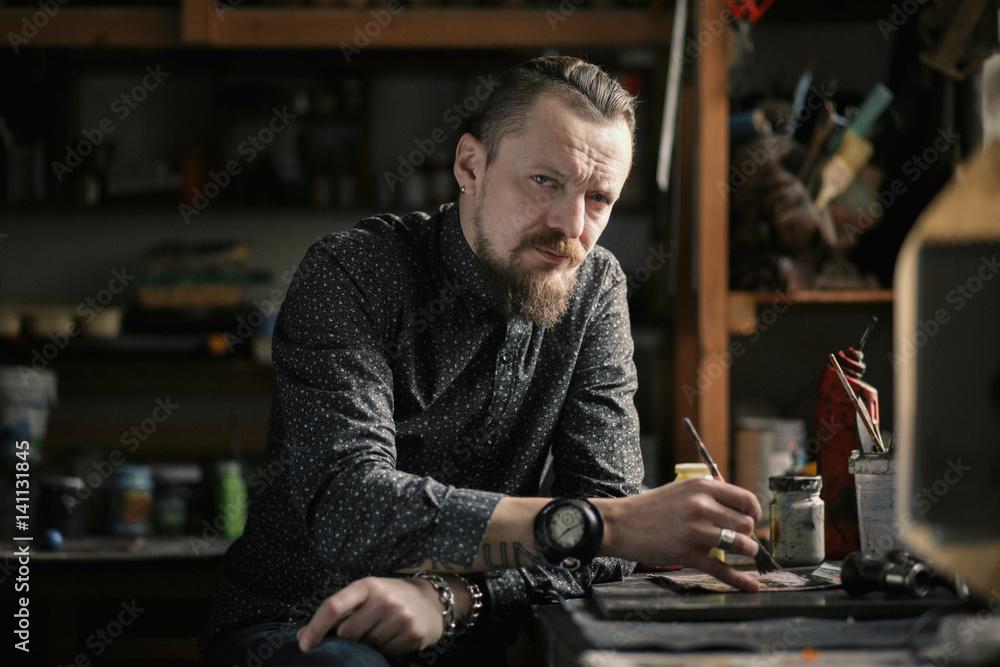 Fototapety, obrazy: The artist in his studio