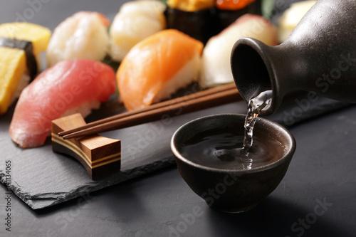 日本酒と寿司 Japanese Sake and Sushi