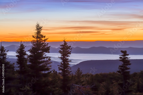Fototapeta Dawn on the Allegheny Front - view from Bear Rocks at the Dolly Sods Wilderness,