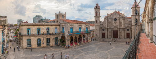 In de dag Havana San Cristobal Kathedrale in der Altstadt von Havanna auf der Insel Kuba