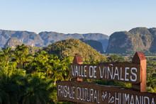 Sonnenaufgang über Das Tal Vinales In Kuba